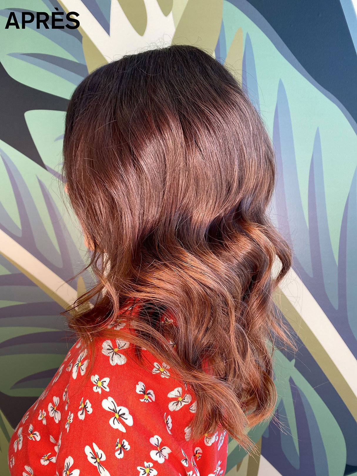 Une femme à Maison Bis avec après réalisation d'un ombré hair par un coiffeur de Maison Bis Nantes
